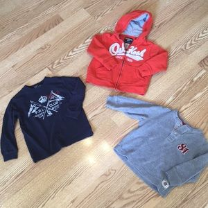 Lot boys 3T t-shirts & 4T hoodie good for Fall 🍁
